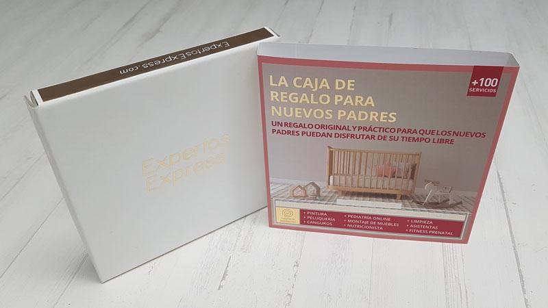 caja con stamping oro